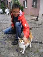 2017.09.30 With one of numerous Istanbul cats (Turkey)