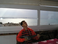 2017.10.02 Playing and singing an ode to the Istanbul morning and the Bosphorus strait outside the window (Turkey)