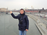2018.03.26 The Floating Bridge let me hold the Big Moskvoretsky one :-)
