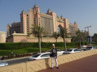 2018.06.01 With Atlantis the Palm in the background – one of the most expensive hotels in the world, with the world's most expensive Royal Bridge Suite.