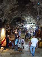 2018.09.09 Downstairs to the cave Church of the Sepulchre of Saint Mary in Gethsemane (Jerusalem), where the Tomb of the Virgin Mary is located
