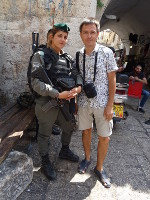 2018.09.09 With a cute military woman of the Israeli army (girls there are to be conscripted) in Jerusalem