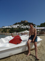 2019.06.03 Chilling on the Lindos Beach (of a town on the Rhodes island) while far and above me there is its Acropolis (where I'll go later, of course).