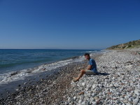 2019.06.04 On a wild beach of the Aegean Sea washing the Rhodes.