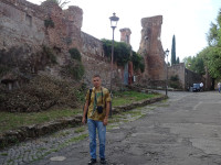 2019.10.03 Around ancient Roman ruins on the Palatine Hill – the central one of the 7 main hills of Rome.