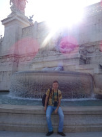 "2019.10.03 With the ""Tyrrhenian Sea"" fountain (at the right part of the Vittoriano) and not very good against the sun."