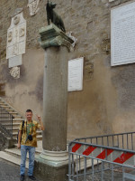 2019.10.03 I was a little bit surprised by the modest size of the monument of the Capitoline Wolf (Lupa Capitolina) who milked the founders of Rome, twin brothers Romulus and Remus.