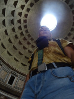 2019.10.03 With a nimbus from a hole in the dome of the Roman Pantheon, through which, allegedly, rain never falls on the floor of the temple (that's a lie:-).