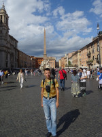 2019.10.03 At Navona Square (Piazza Navona) with an Egyptian obelisk (81 – 96 years) standing in its middle with the Fountain of 4 Rivers (Fontana dei Quattro Fiumi, 1647 – 1651).