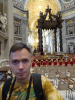 2019.10.03 Inside the main Catholic temple of the world – Saint Peter's Basilica (Basilica di San Pietro), near the central place.