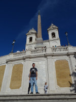 2019.10.04 On the last but one stair landing of the Spanish Steps (Scalinata di Trinità dei Monti) before I get to the Church of Trinità dei Monti (Chiesa della Trinità dei Monti) after which the steps are named in Italian.