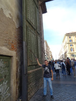 2019.10.04 Not every square is entered through a gate but People's Square (Piazza del Popolo) of Rome is – through People's Gate (Porta del Popolo) of thi-i-is size.