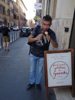 2019.10.04 I'm not sure if Gelateria dei Gracchi is the best ice cream cafe in Rome but their ice cream is definitely yum-yum!.. :-)