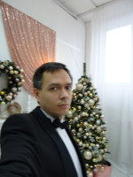 2019.12.29 A rare shot – I am taking a selfie. The lack of experience explains the blurring of the image.
